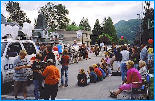 Yarrow Days, June 3, 2006 - Parade, Central Road